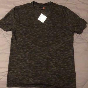 Man's  Guess V neck T-shirt